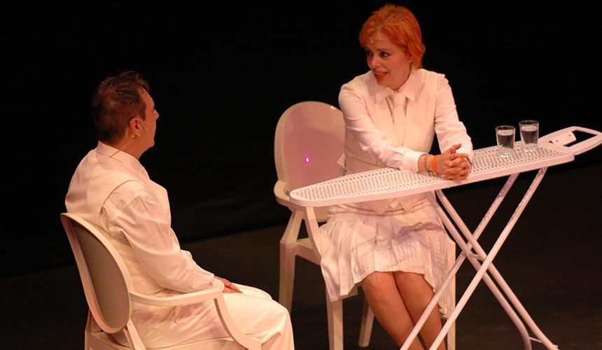 Emma Ozores - '¡El último que apague la luz!'